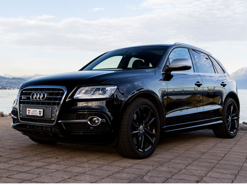 audi sq5 private luxury services. Black Bedroom Furniture Sets. Home Design Ideas